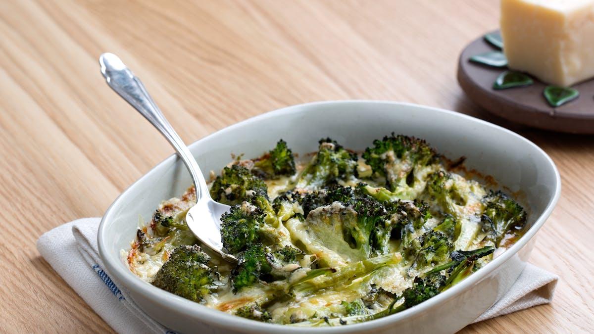 Brócoli y queso bajo en carbohidratos