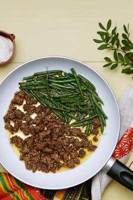Carne molida con ejotes verdes</br>(Almuerzo)