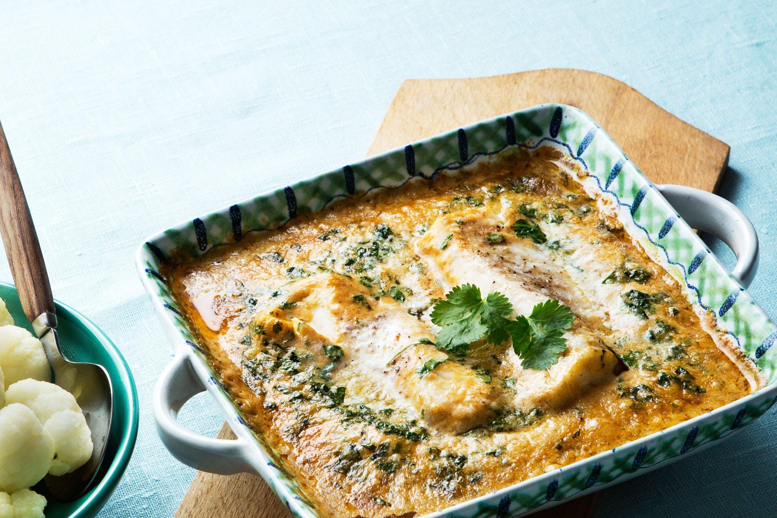 Curry keto tailandés con pescado y coco