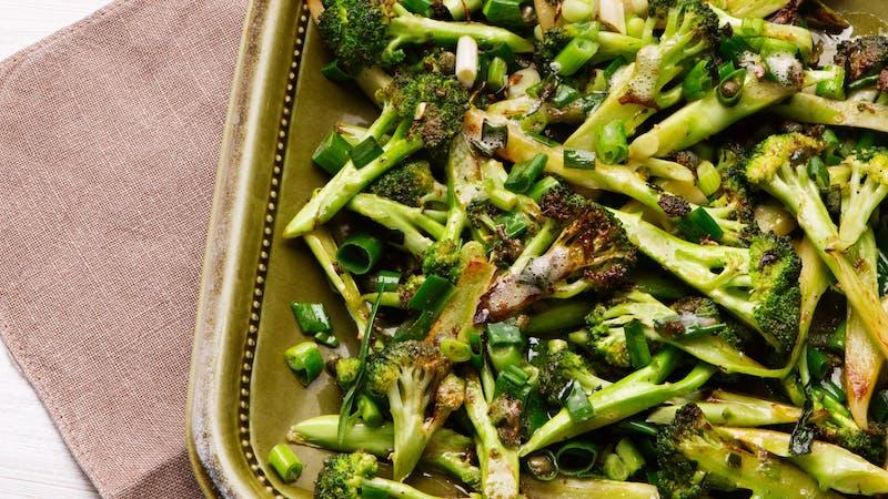 Brócoli frito en mantequilla