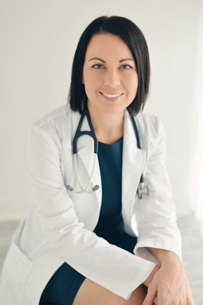 Dra. Evelyne Bourdua