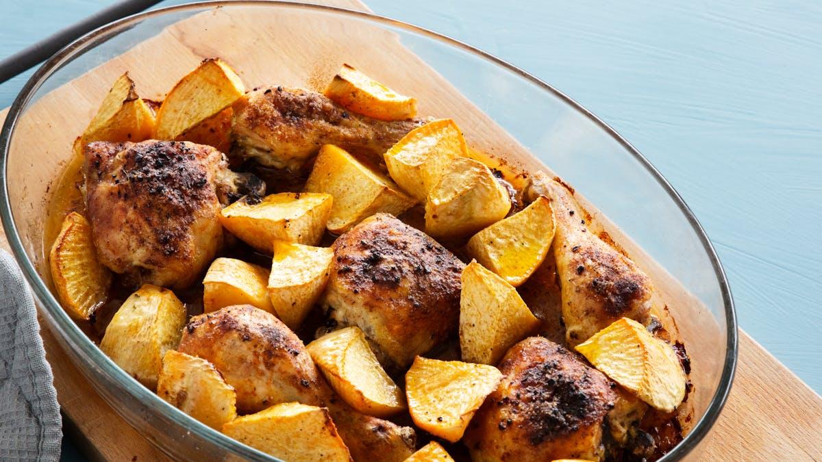 Pollo con paprika y colinabo al horno