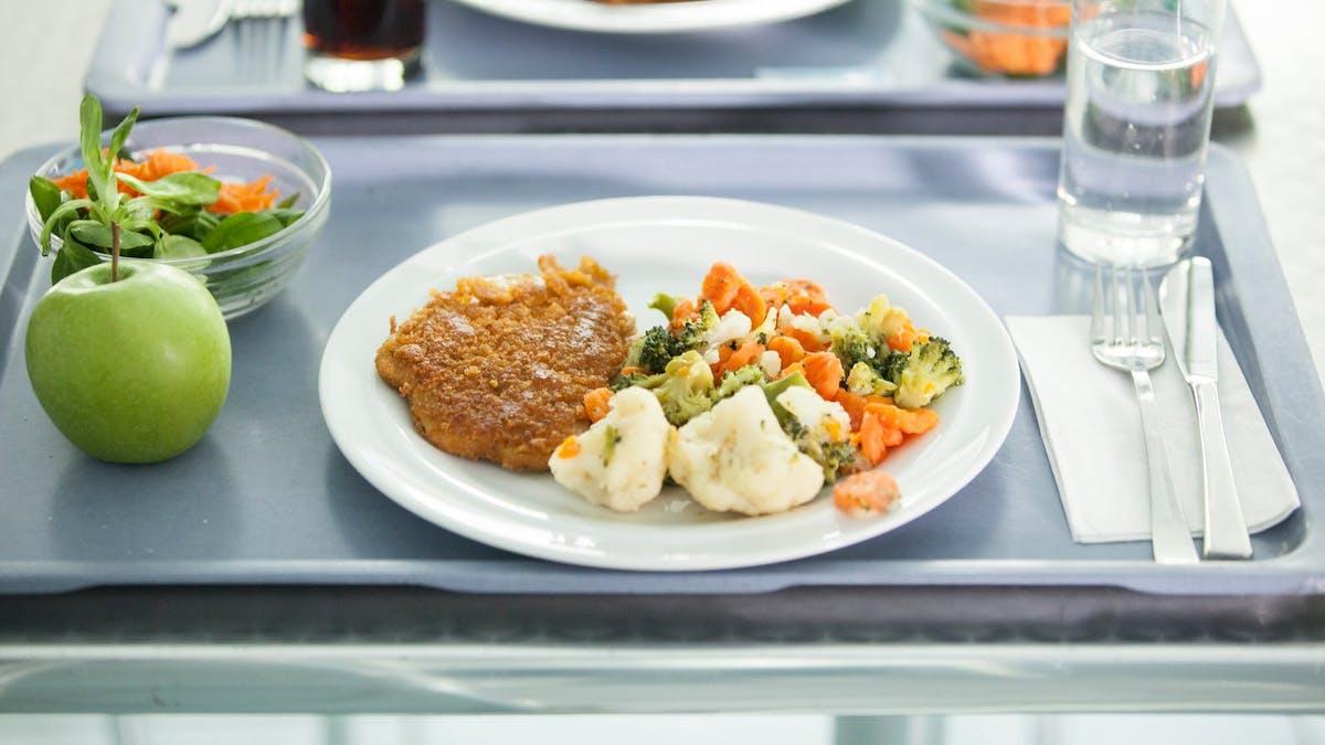 10 consejos para comer bajo en carbohidratos en el hospital