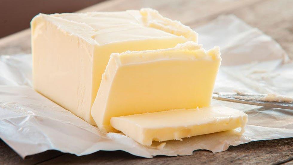 ¿Deberías comer más mantequilla, crema y aceite de coco?
