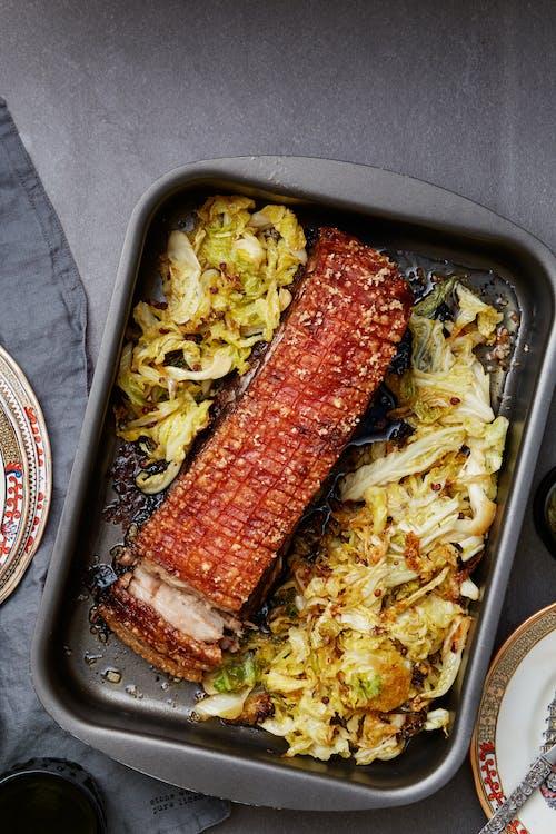 Cerdo crocante chino keto con repollo