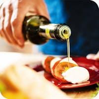 Aceite de oliva en ensalada