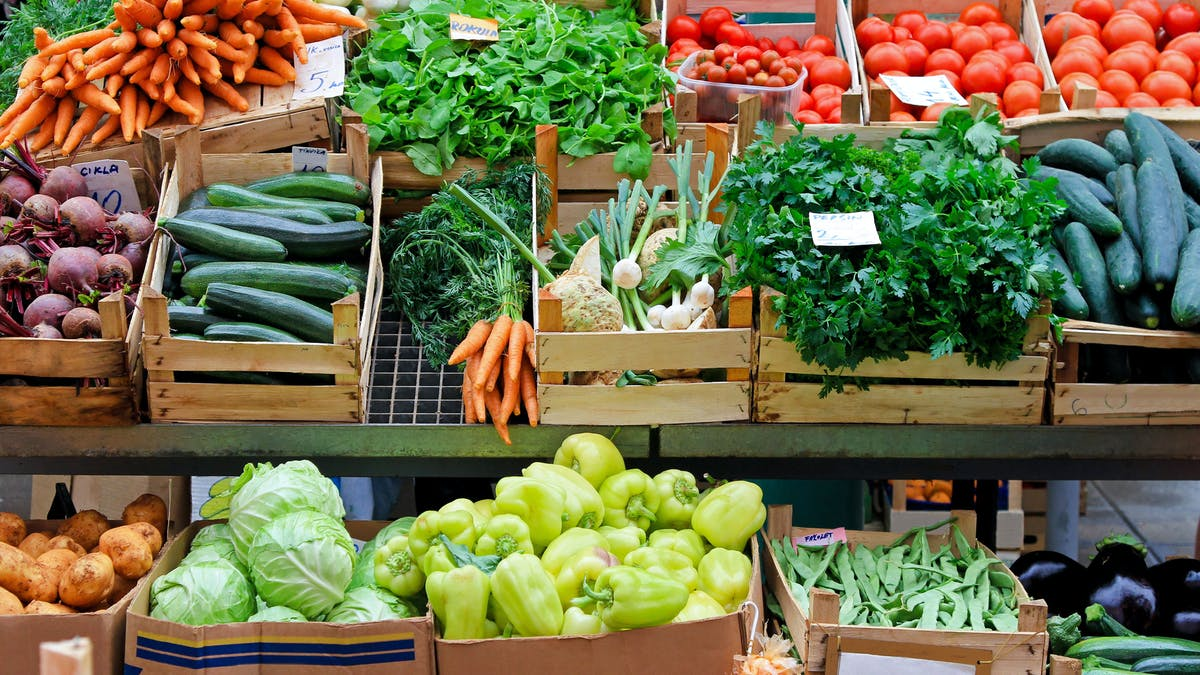 La dieta keto de dos formas:  1) fácil, simple y barata o 2) procesada, empaquetada y cara