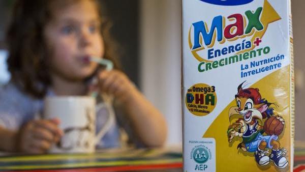 ¿Comercialización de la salud de los niños? La AEP gana millones de euros prestando su logotipo.