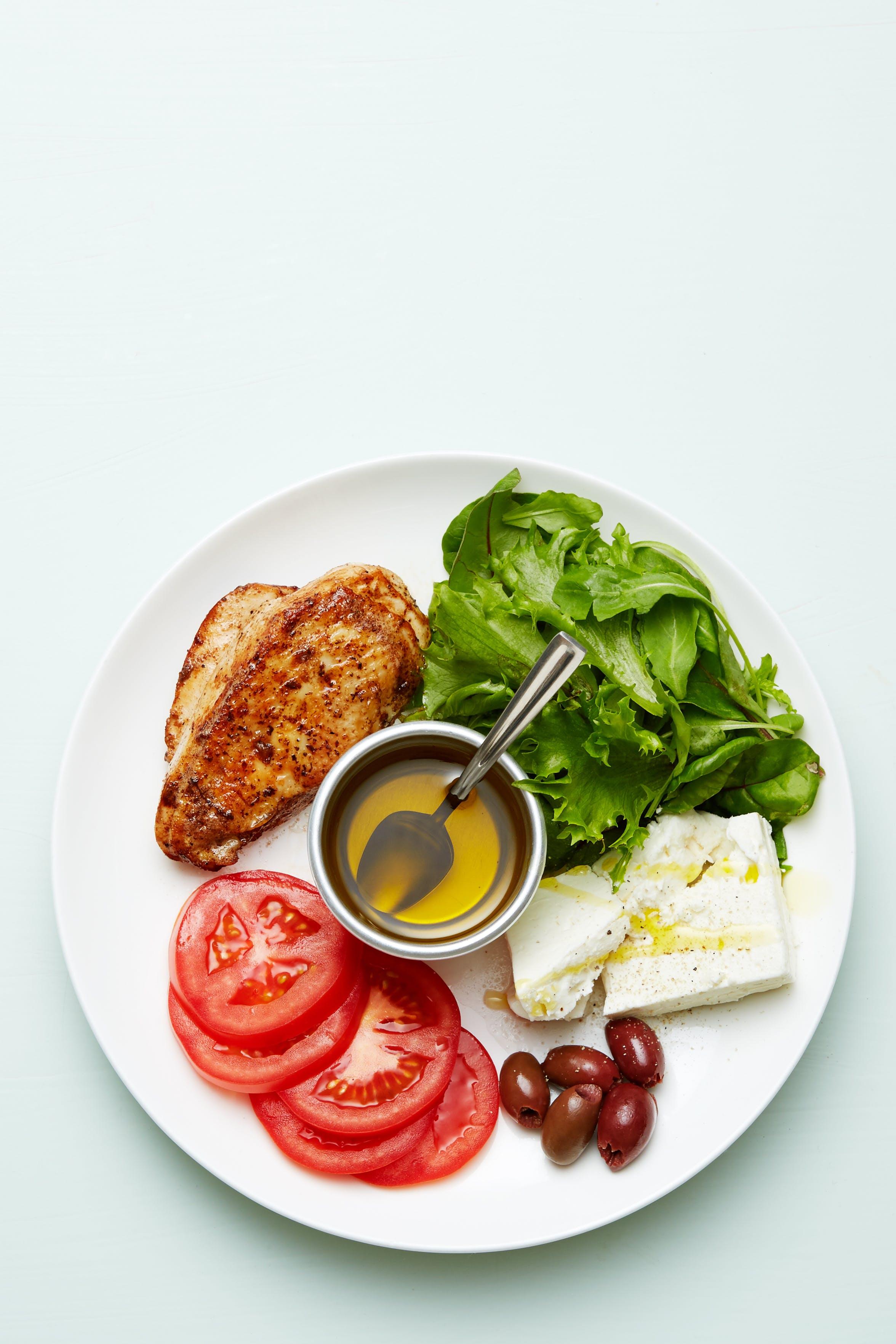 Plato keto de pollo y queso feta