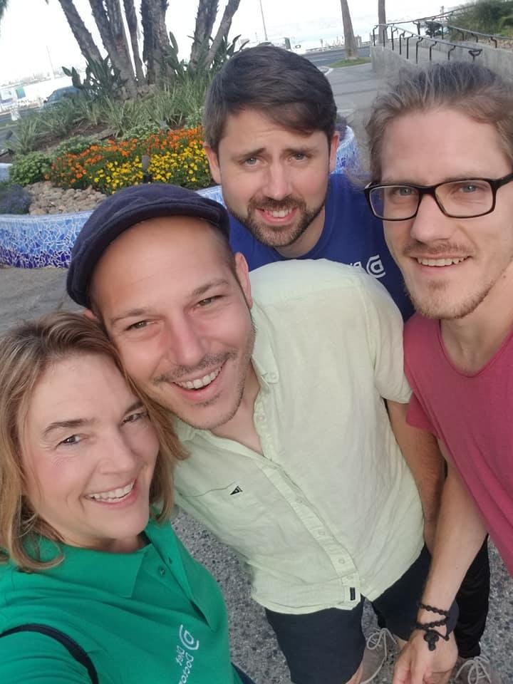 Kristie, Giorgos, Simon y Jonathan