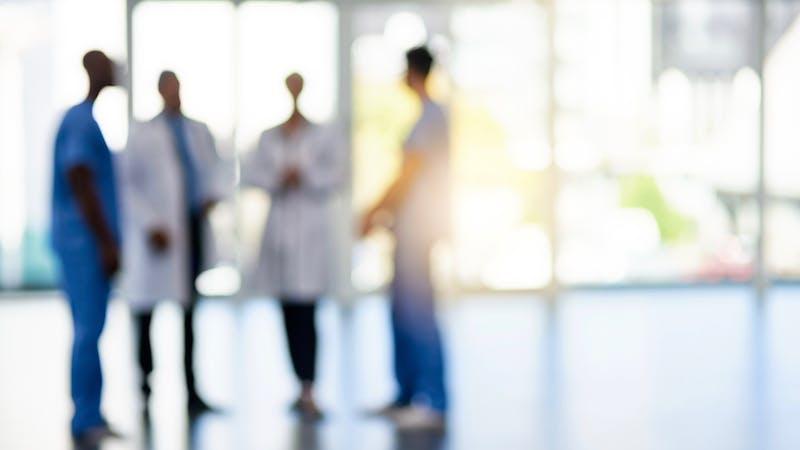 Doctores hablando