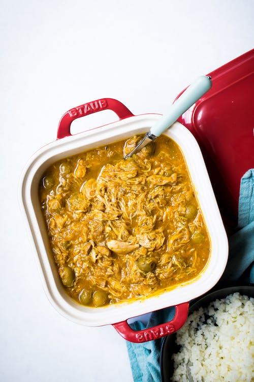 Pollo a la Jardinera con arroz de coliflor low carb
