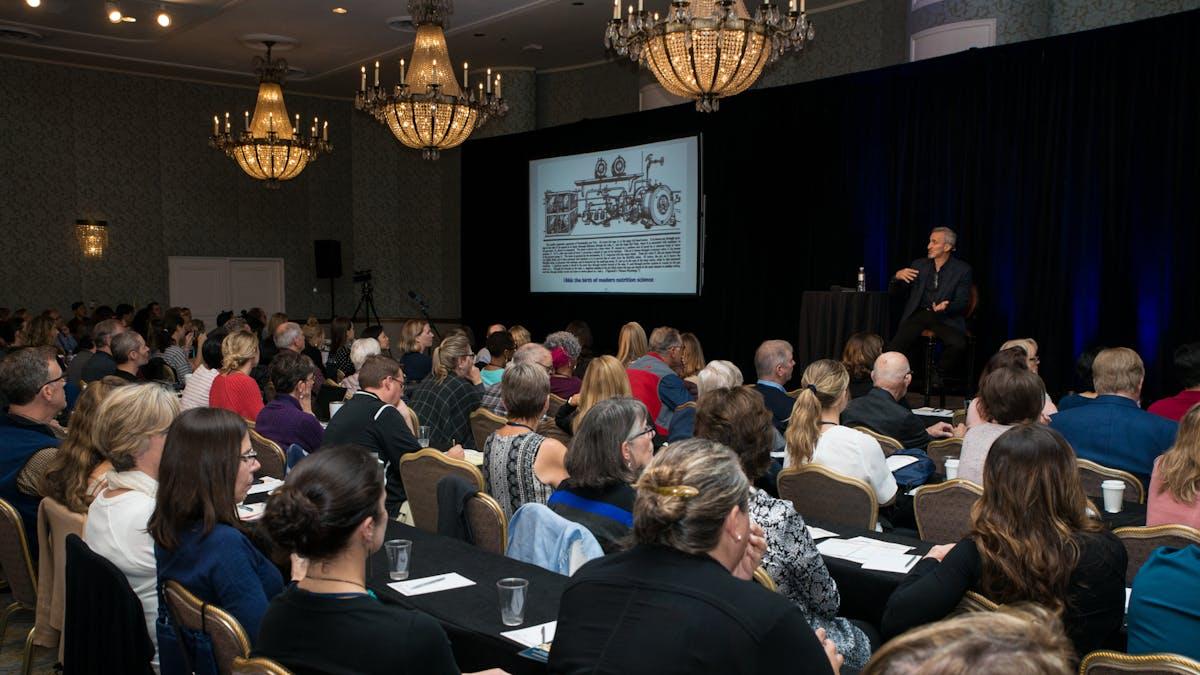 Contenido, comunidad y conexión: el valor de las conferencias de bajos carbohidratos