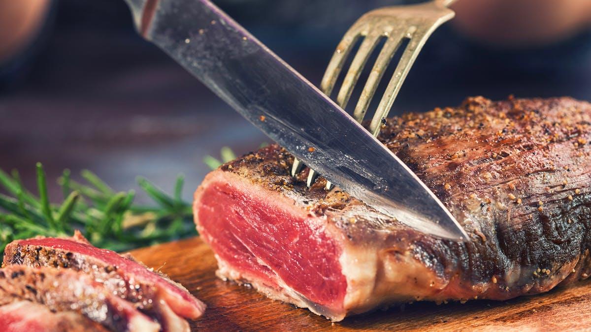 Comer carne roja aumenta los niveles de TMAO