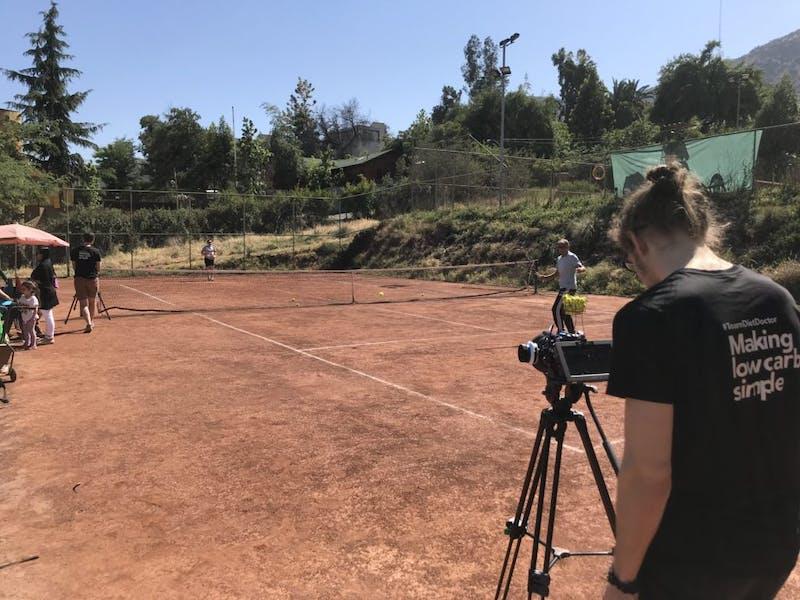 Grabando clase de tenis