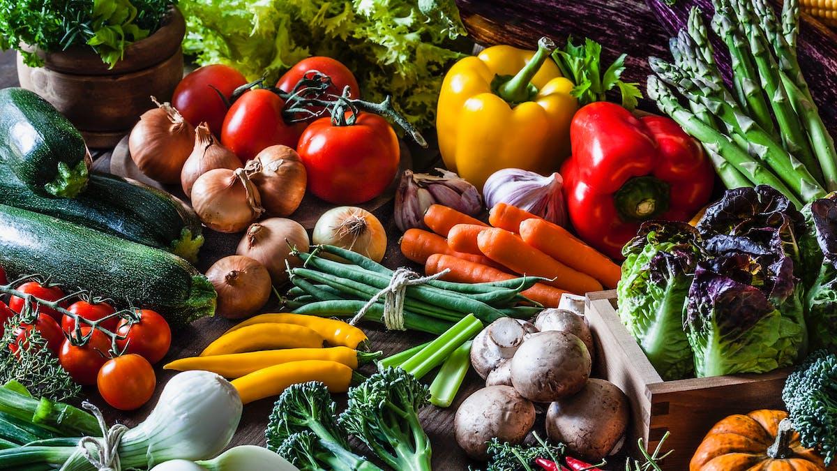 Una dieta baja en carbohidratos no significa que sea baja en fibra