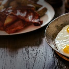 fried-eggs-and-bacon-16-9-267x267