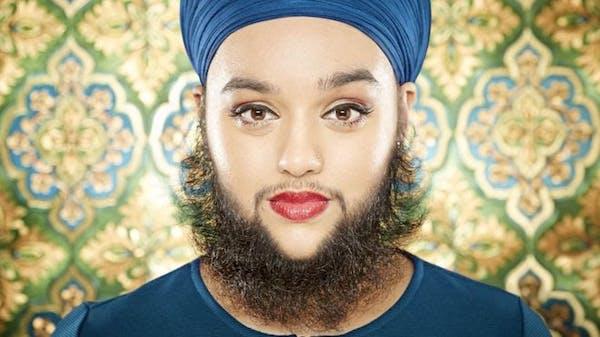 Mujer con barba