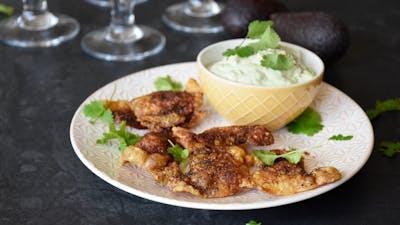 Pieles crocantes de pollo keto