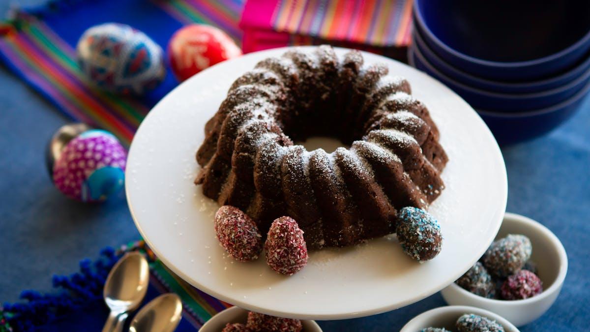 Nuevo menú de Pascua: torta de chocolate con huevitos