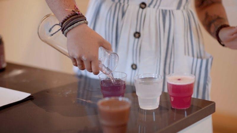 Preparando las bebidas