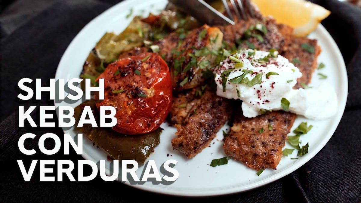 Shish kebab y crema de ajo, recetas en video