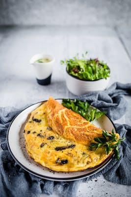 Omelet keto con champiñones<br />(Desayuno)