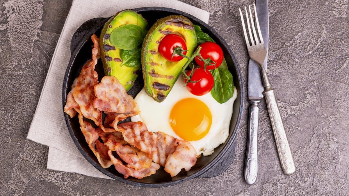 Nuevo estudio: se reduce la presión arterial al comer bajo en carbos