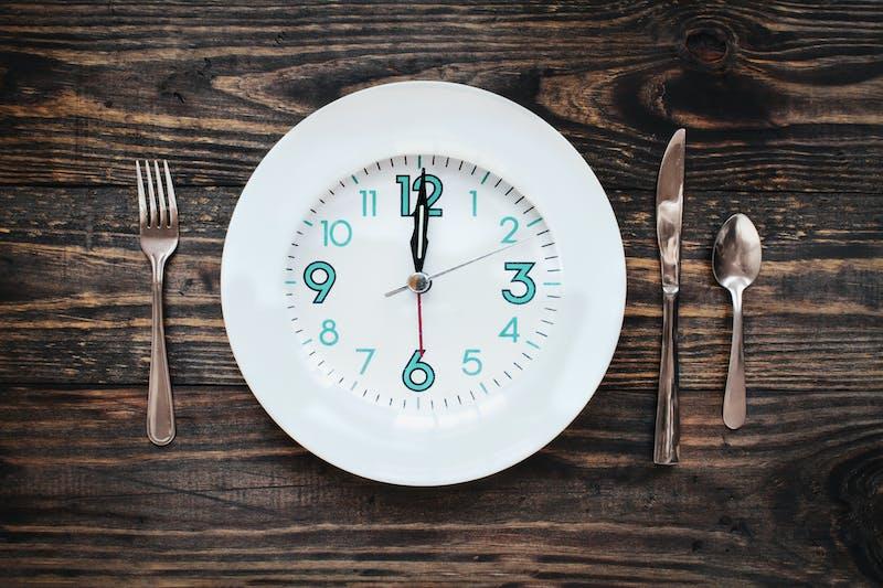 Plato con reloj