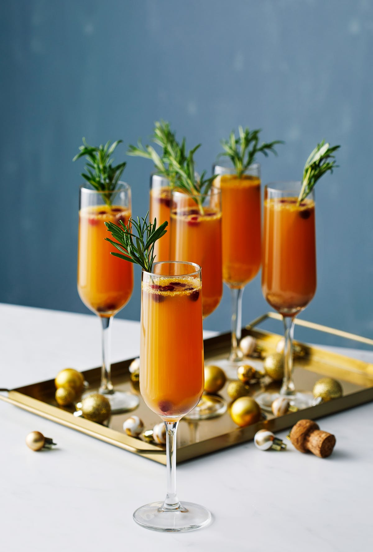 Mimosas bajas en carbos con arándanos y pomelo
