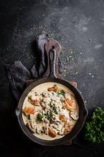 Pollo y champiñones a la sartén