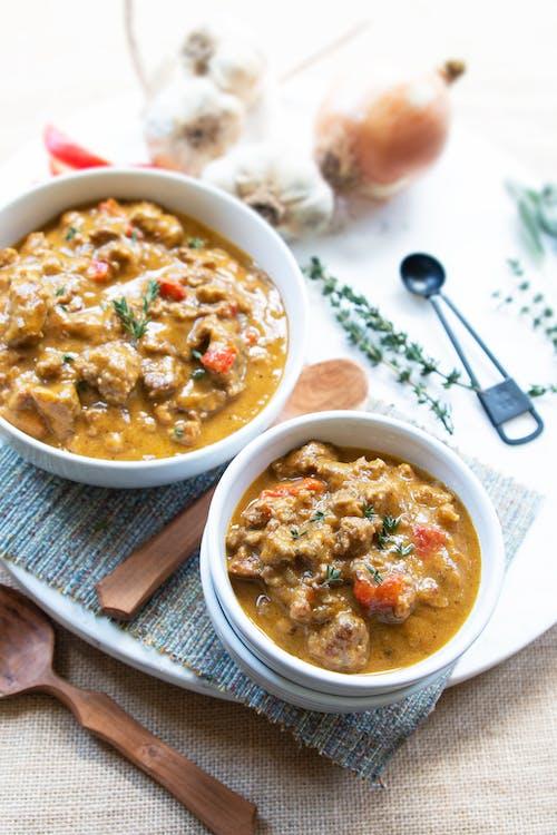 Sopa keto de calabaza y carne molida especiada