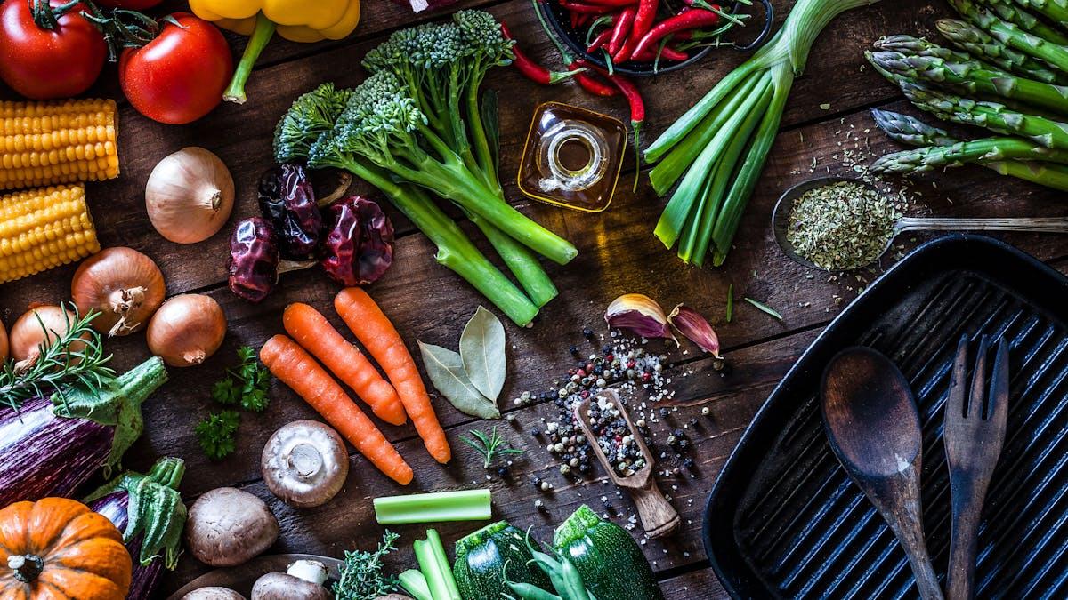 Cómo satisfacer las necesidades nutricionales en una dieta vegana y baja en carbohidratos