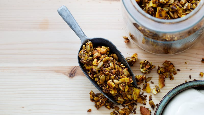 Granola dorada baja en carbohidratos