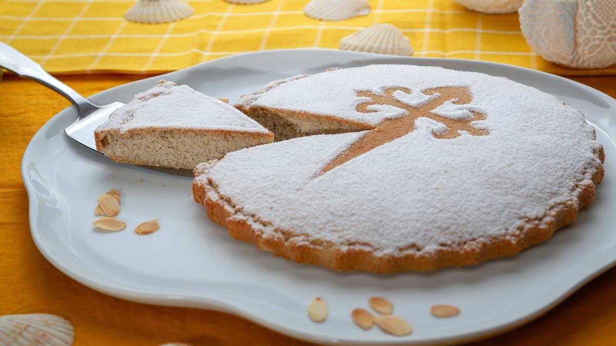 Tarta de Santiago cetogénica