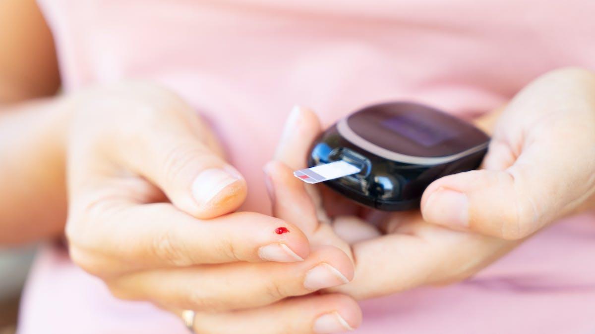 La glucemia elevada aumenta el riesgo de COVID-19, incluso sin diabetes