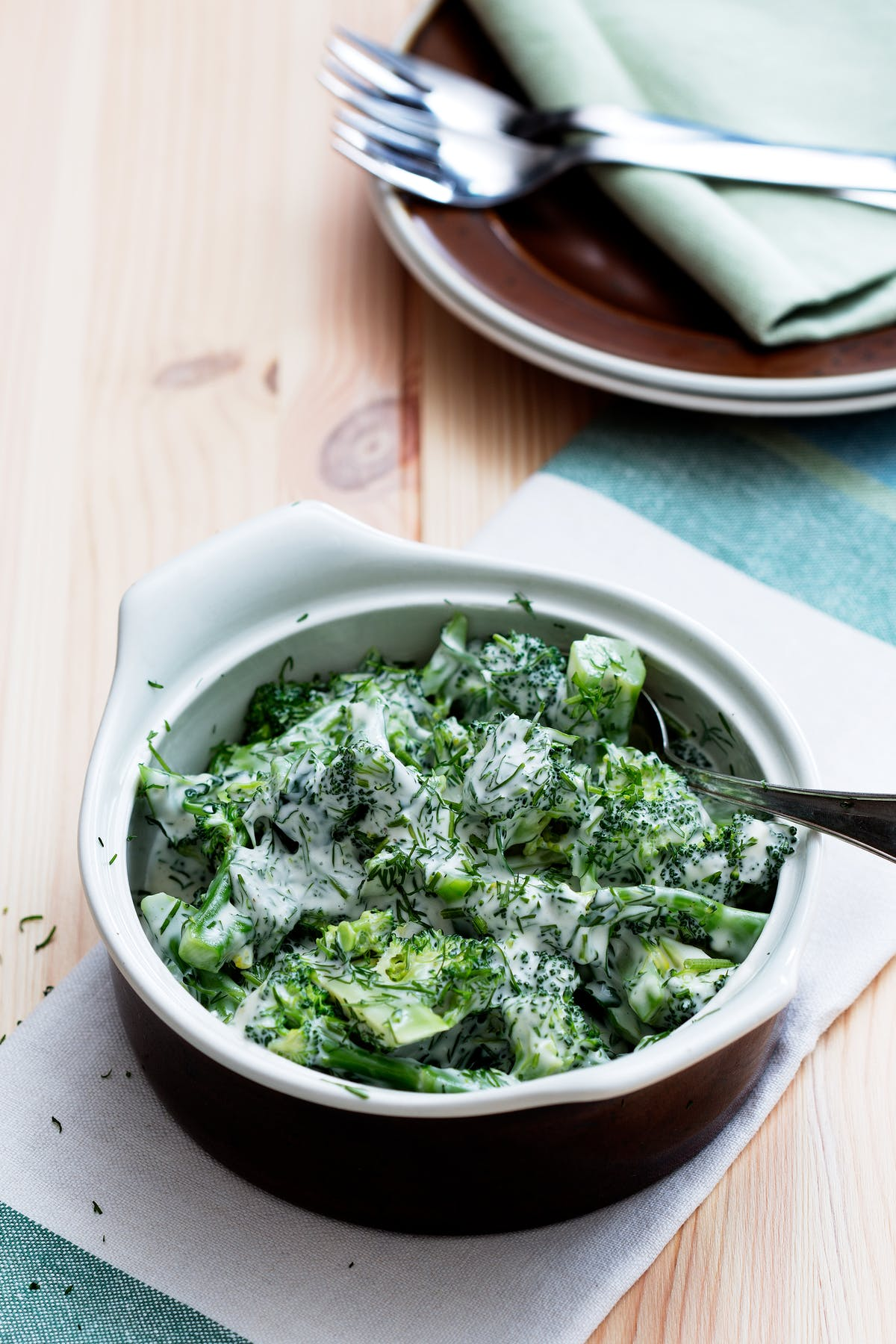 Ensalada de brócoli con eneldo fresco