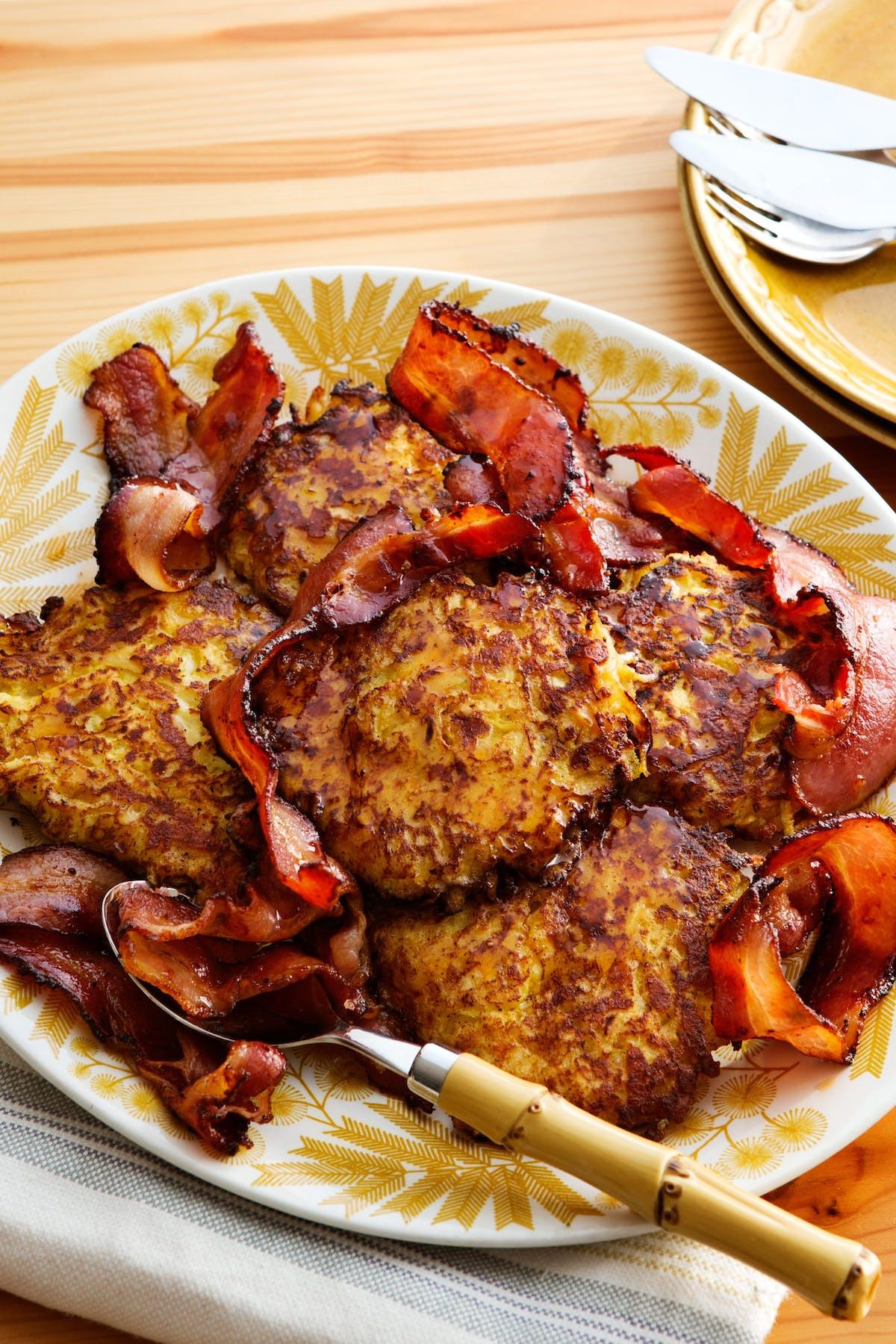 Frituras de colinabo low-carb con bacon
