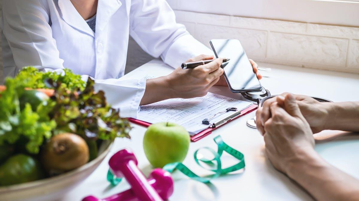 Una revisión científica de las dietas keto con problemas de precisión