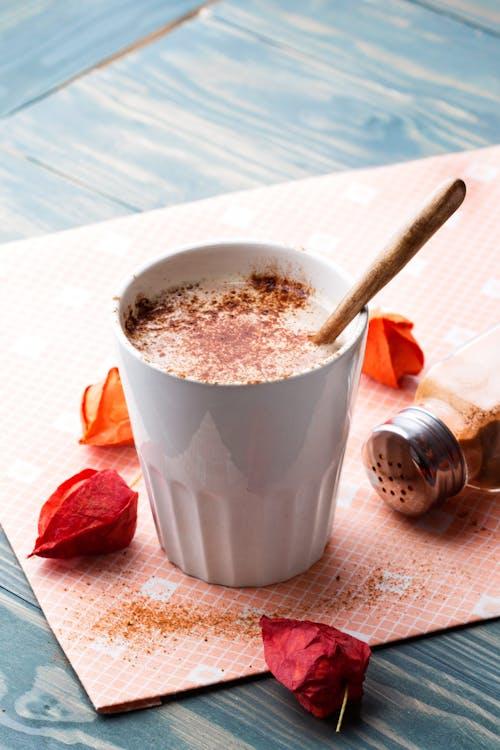Café keto de especia de calabaza