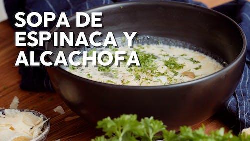 Sopa de espinaca y alcachofa