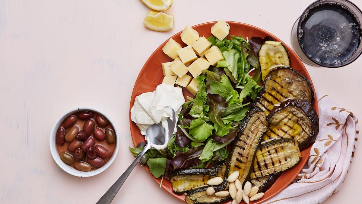 Plato keto de verduras parrilladas