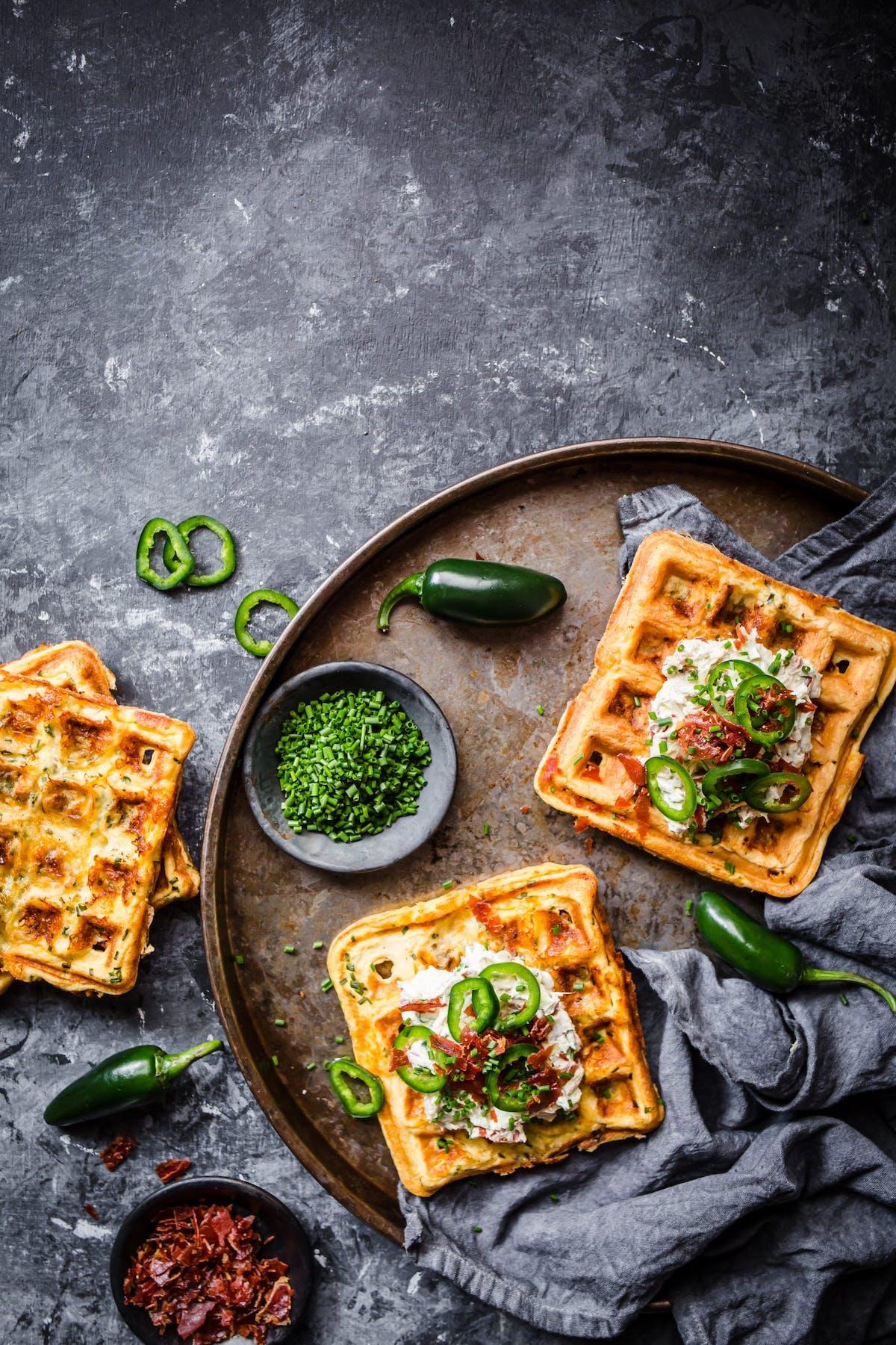 Waffles (o gofres) keto de queso y jalapeño