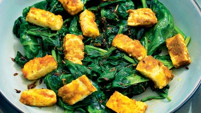 Curry de queso blanco y espinacas