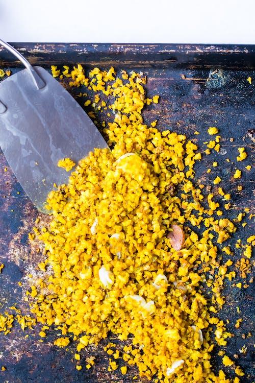 """""""Arroz"""" amarillo bajo en carbohidratos"""