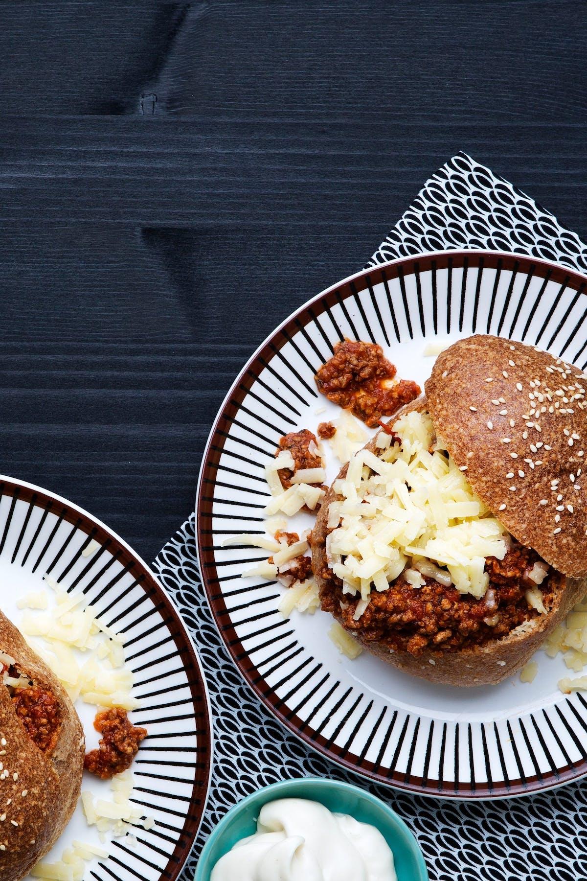 Hamburguesa low-carb de carne molida y queso