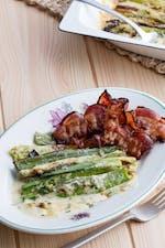 Bacon con puerros gratinados