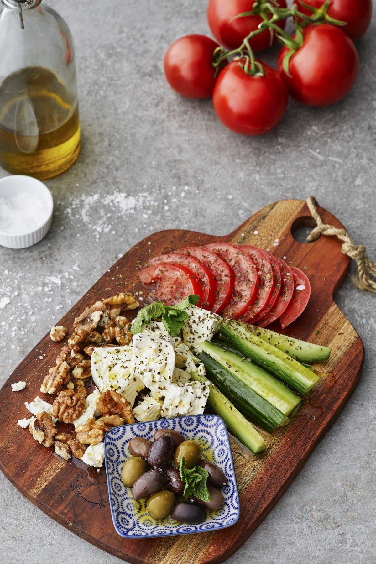 Plato combinado mediterráneo y vegetariano