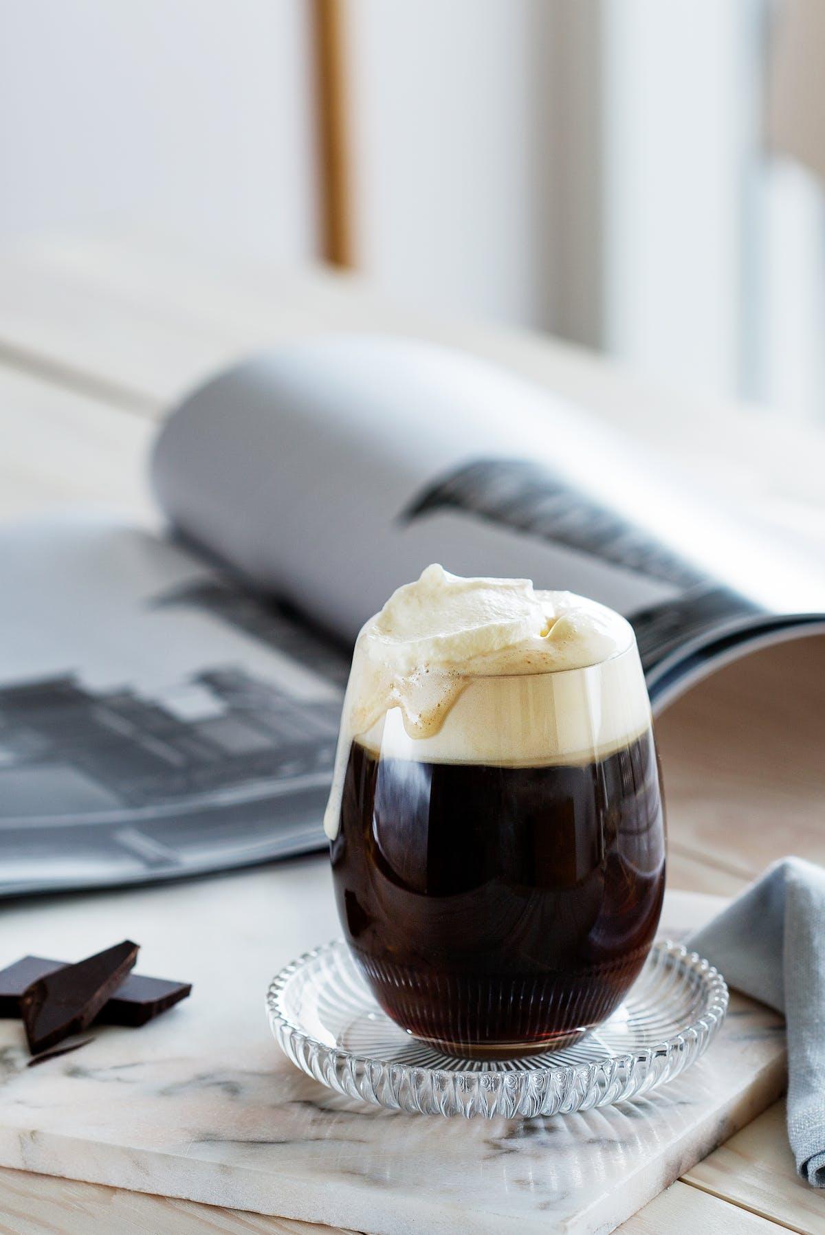 Café con crema batida