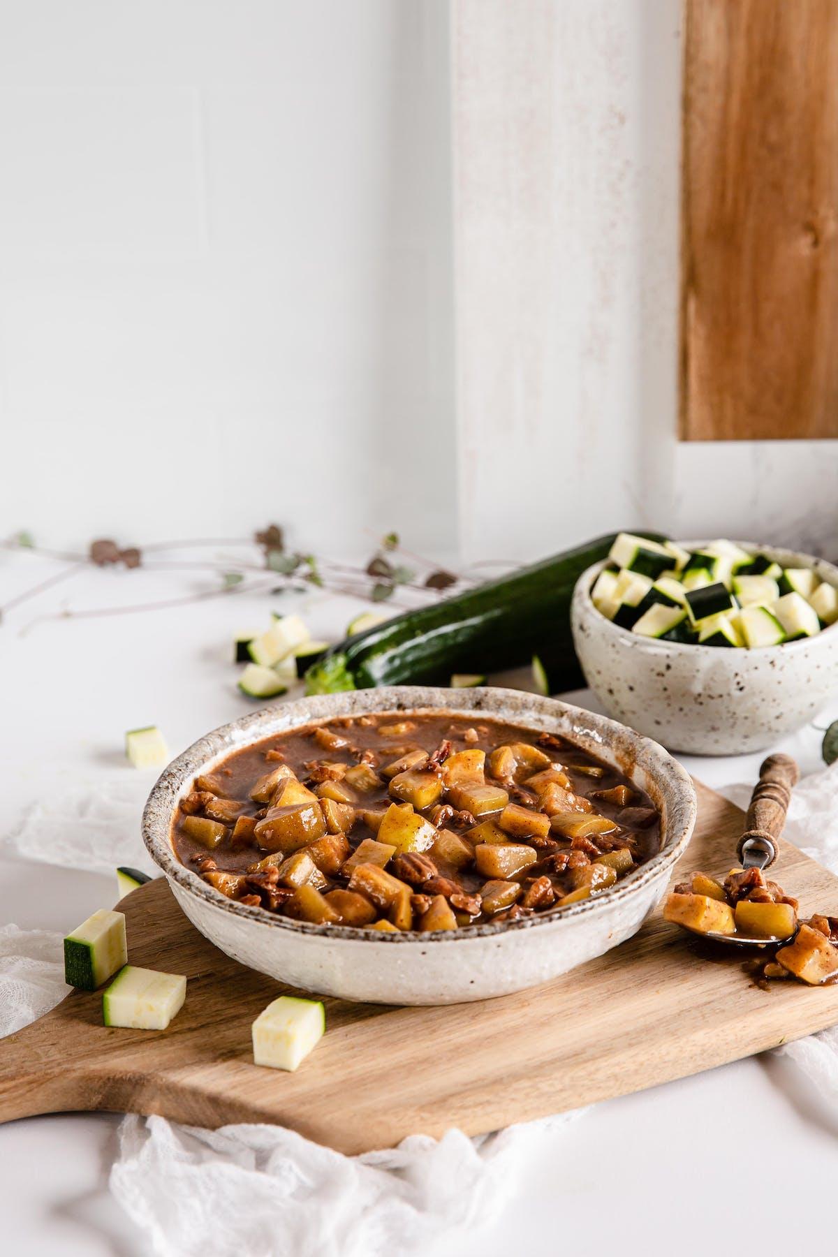 "Relleno low-carb de tarta de ""manzana"" de calabacín"